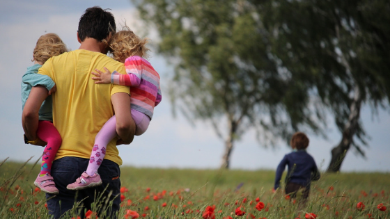 Five Easy Mindful Parenting Tips to be a Calmer Mom Today